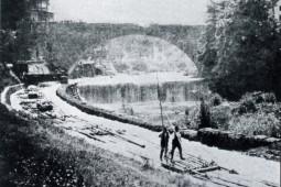 Flößer-Bogenbrücke_stadtwiki_PF-2